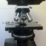 Microscope Leitz Biomed a contraste de phase d'occasion