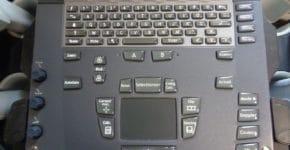 clavier et touches de l' echographe sonosite M turbo